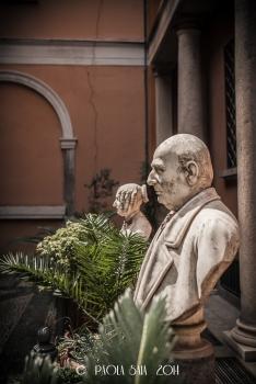 """Milan """"Cortili Aperti"""" - discovering private courtyards in Brera, Milan, Casa Ajroldi Usuelli, Fiori Oscuri Street"""